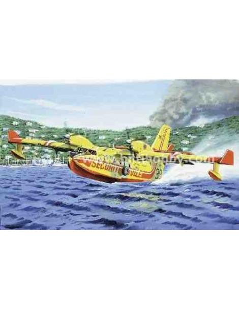 Avión Estático de Plástico, CANADAIR CL 415 , Escala 1/72  fabricante Heller. Modelismo Aviones Estáticos. Bilti Hobby.