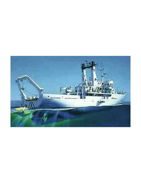 Barco Estático de Oceanografico de Plástico, Le SUROIT Escala 1/200 de Heller